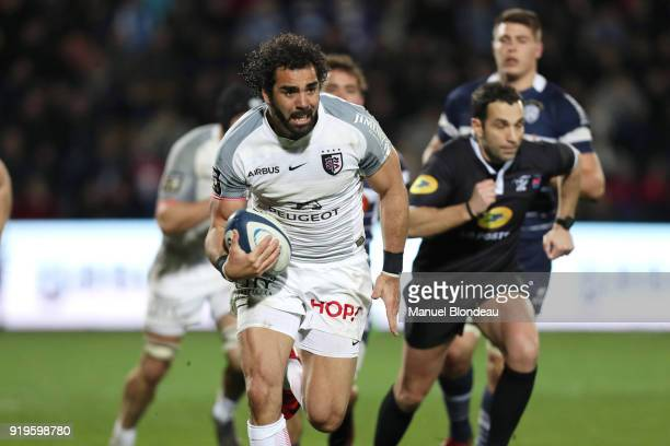 Yoann Huget of Toulouse runs to score a try during the French Top 14 match between Agen and Toulouse on February 17 2018 in Agen France