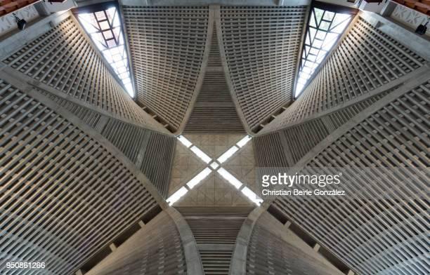 yodobashi church - tokyo - christian beirle stockfoto's en -beelden