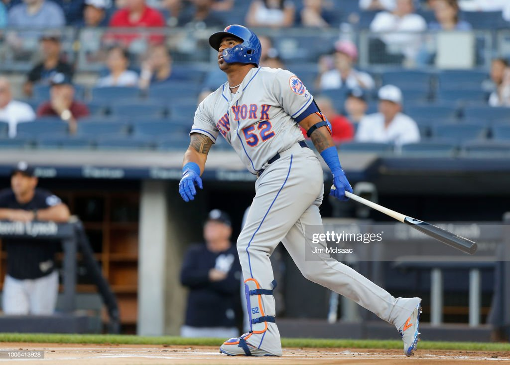 New York Mets v New York Yankees : News Photo