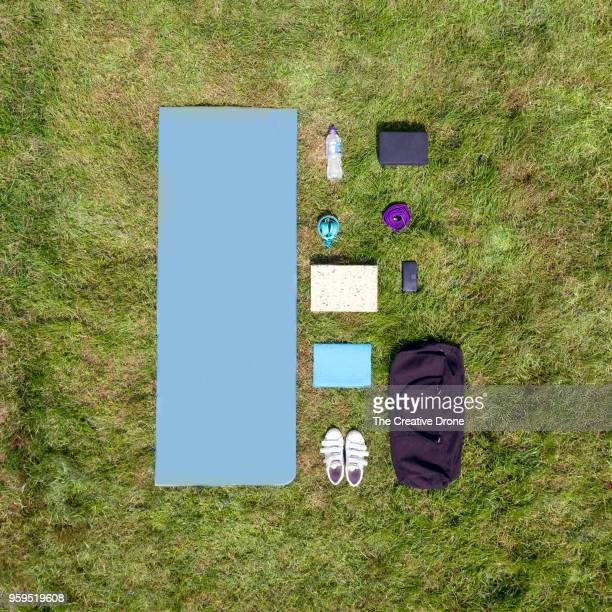 yoga knolling - mat stock pictures, royalty-free photos & images