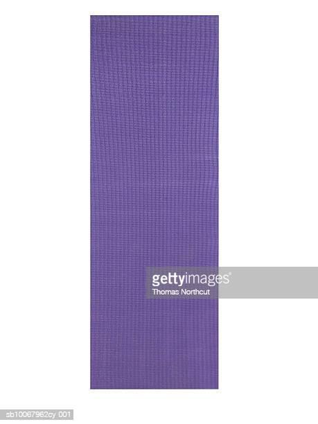 yoga mat, studio shot - エクササイズマット ストックフォトと画像