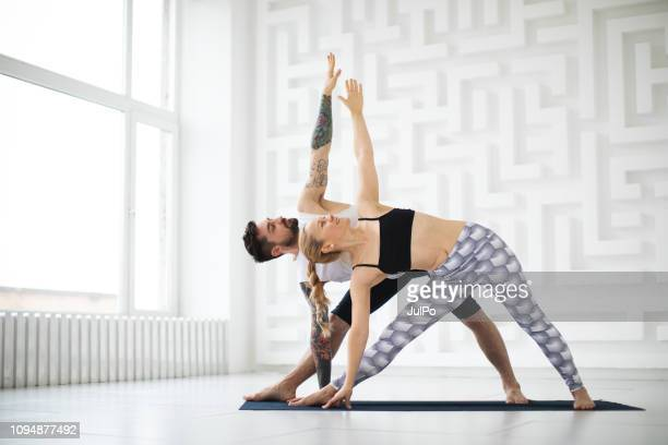 yoga - yoga stock-fotos und bilder