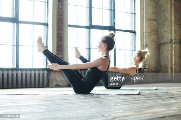 yoga - yoga studio stock pictures, royalty-free photos & images