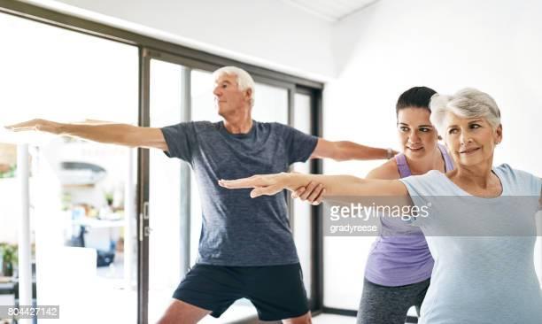 ioga realmente beneficiar qualquer um e todos - is this really going to help - fotografias e filmes do acervo