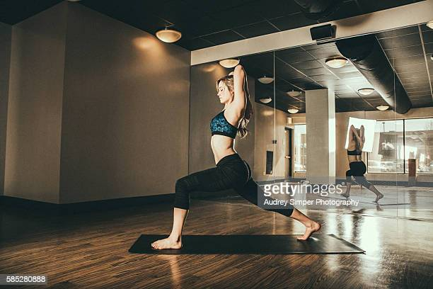 yoga9 - yoga teacher stock pictures, royalty-free photos & images