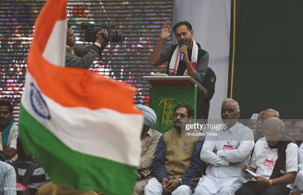 Yogendra Yadav, an Indian politician addressing farmers from across the country during a demonstration in support of their various long pending demands at Jantar Mantar on November 21, 2017 in New Delhi, India. A Kisan Sansad, or Farmers Parliament, comprising members from over 25 states gathered in capital to press demands for fair crop prices and loan waivers, returning the spotlight to prevailing agrarian distress.