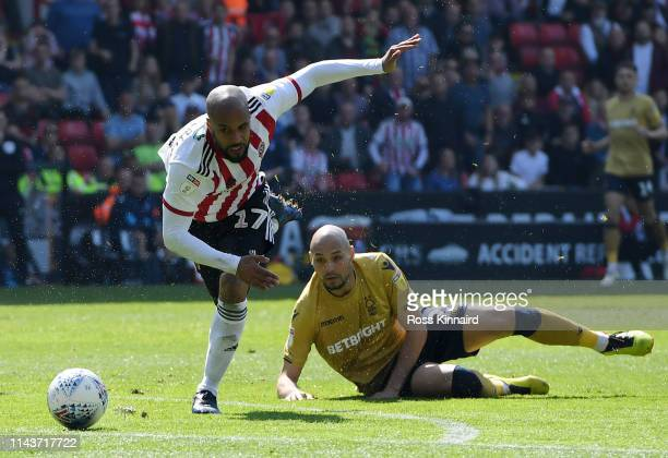 Yohan Benalouane of Nottingham Forest fouls David McGoldrick of Sheffield United which later gives him a red card during the Sky Bet Championship...