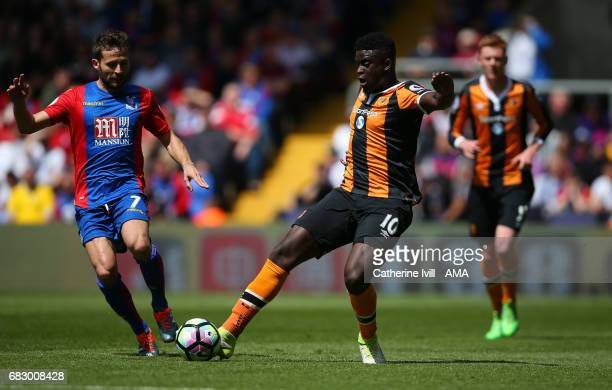 Yohan Cabaye of Crystal Palace and Alfred N'Diaye of Hull City during the Premier League match between Crystal Palace and Hull City at Selhurst Park...