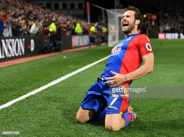 Yohan Cabaye of Crystal Palace celebrates scoring their second goal during the Premier League match between Crystal Palace and Arsenal at Selhurst...