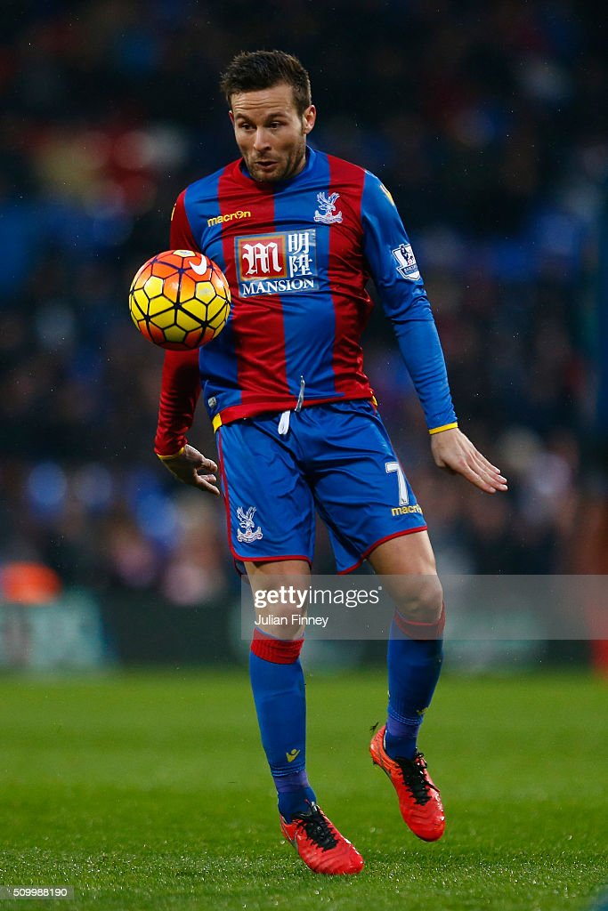 Yohan Cabaye of Crystal Palace in action during the Barclays Premier League match between Crystal Palace and Watford at Selhurst Park on February 13, 2016 in London, England.