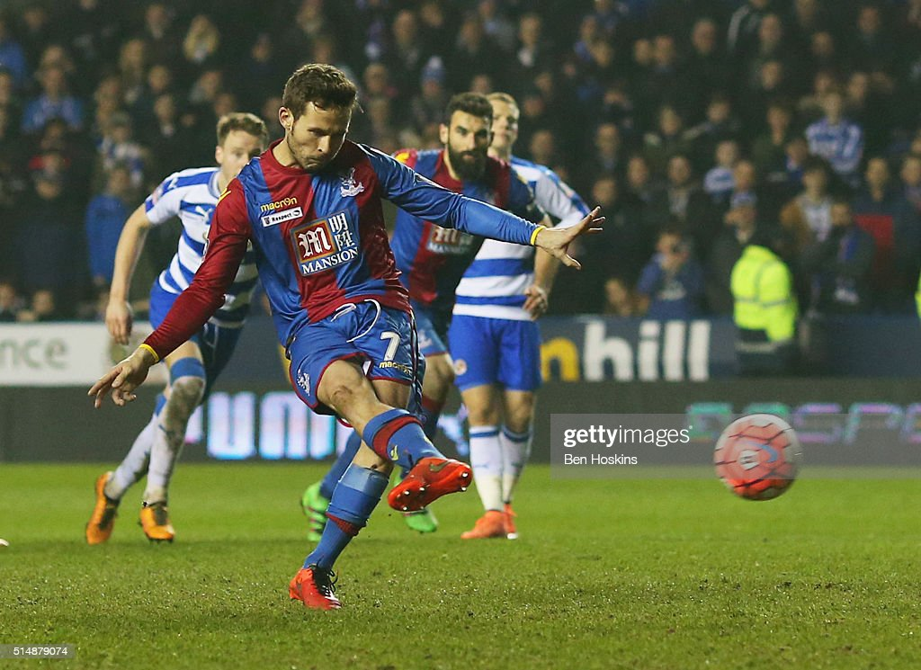 Yohan Cabaye of Crystal Palace scores their first goal from the penalty spot during the Emirates FA Cup sixth round match between Reading and Crystal Palace at Madejski Stadium on March 11, 2016 in Reading, England.
