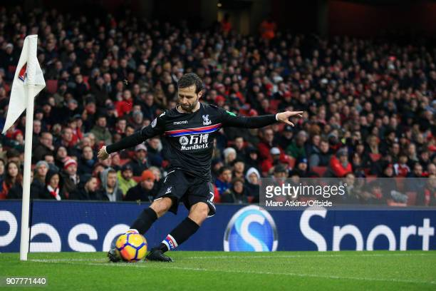 Yohan Cabaye of Crystal Palace takes a corner during the Premier League match between Arsenal and Crystal Palace at Emirates Stadium on January 20...