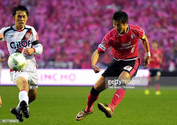 Yoichiro Kakitani of Cerezo Osaka shoots at goal during the J.League J1 Promotion Play-Off final between Cerezo Osaka and Fagiano Okayama at Kincho...