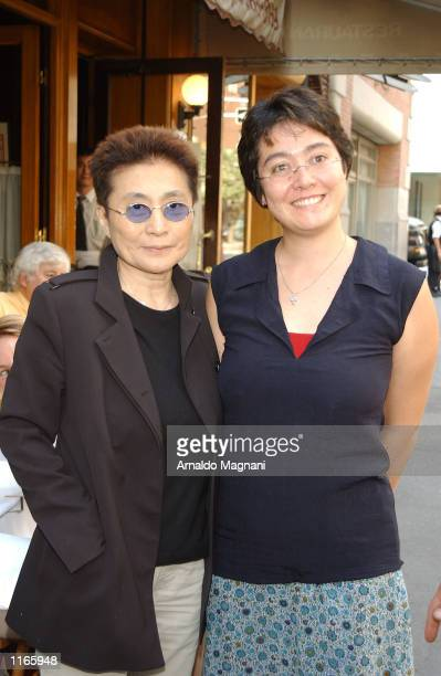 Yoko Ono and her daughter Kyoko Cox leave La Goulue resturant October 3 2001 after having lunch in New York City