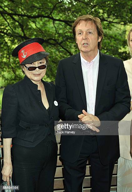 Yoko Ono and Paul McCartney pose for the media as The McCartney Family Launches �Meat Free Monday' at Inn The Park on June 15, 2009 in London,...