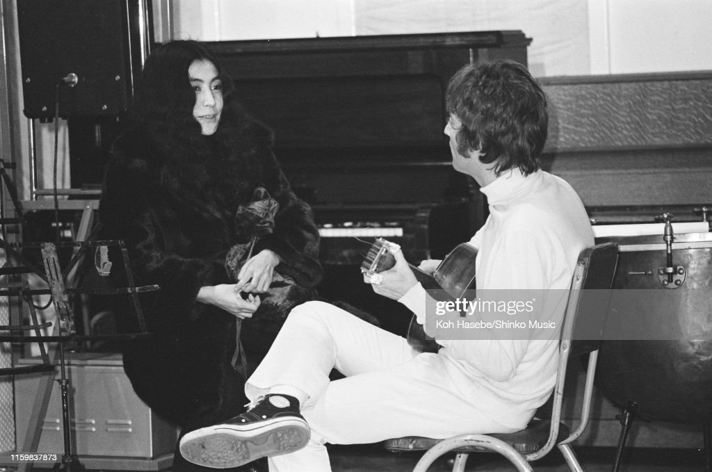 Yoko Ono With John Lennon Of The Beatles During The Recording Session News Photo Getty Images