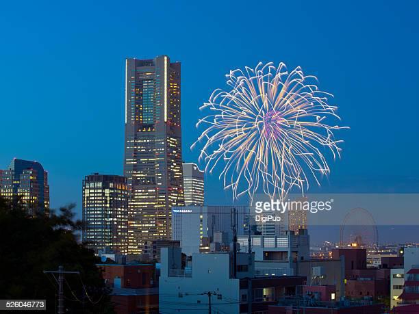 yokohama fireworks - 横浜市 ストックフォトと画像