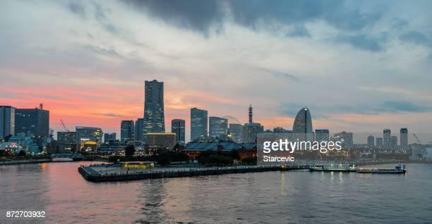 Yokohama - Minato Mirai Skyline bei Sonnenuntergang
