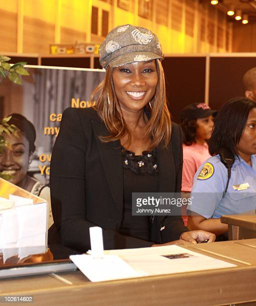 Yolanda Adams attends a seminar during the 2010 Essence Music Festival at Ernest N Morial Convention Center on July 3 2010 in New Orleans Louisiana