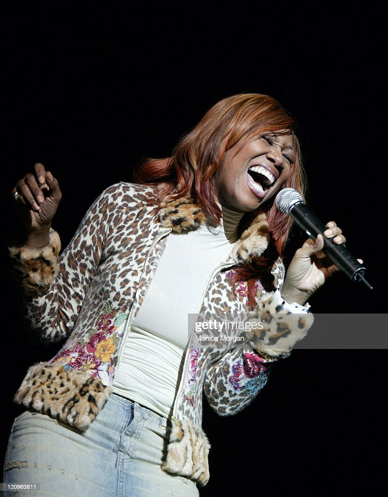 "Comcast Presents Yolonda Adams ""Today Tour"" - February 10, 2006 : News Photo"