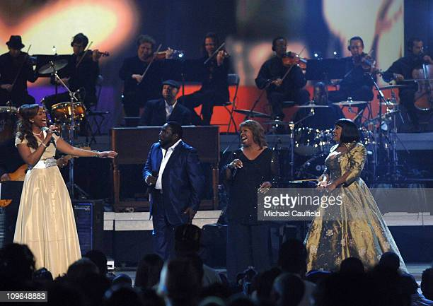 Yolanda Adams Eddie Levert Gladys Knight and Patti LaBelle perform Wind Beneath My Wings in tribute to Gerald Levert