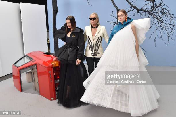 Yolanda Hadid pose backstage with her daughters Bella Hadid and Gigi Hadid before the OffWhite Womenswear Fall/Winter 2020/2021 show as part of Paris...