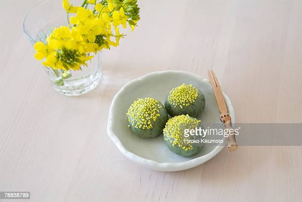 yomogi dango - japanese mugwort stock pictures, royalty-free photos & images