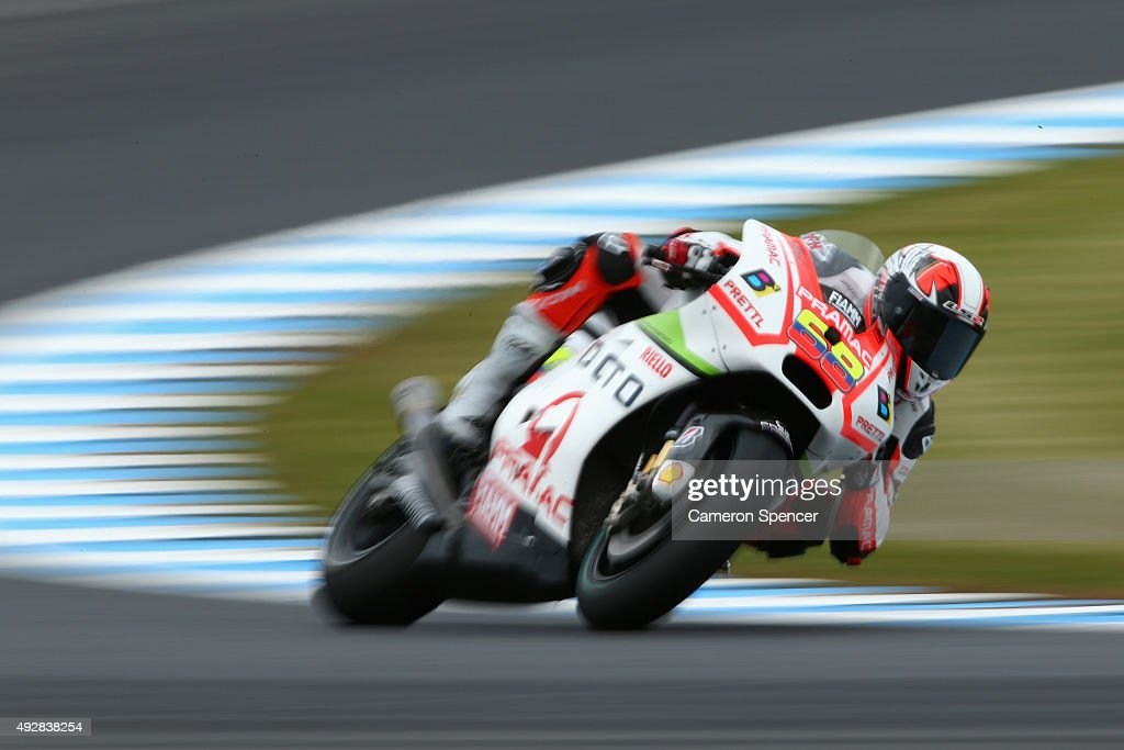 Yonny Hernandez of Colombia and Octo Pramac Racing rides during free practice for the 2015 MotoGP of Australia at Phillip Island Grand Prix Circuit on October 16, 2015 in Phillip Island, Australia.