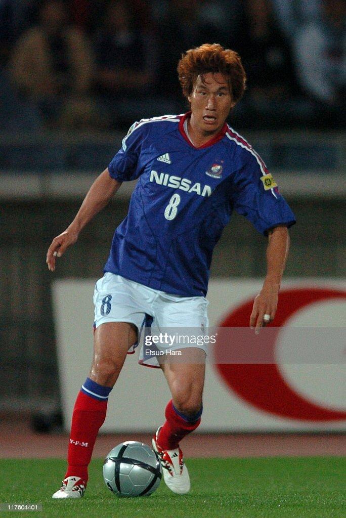 Yokohama F. Marinos v Shimizu S-Pulse - J.League 2004 : News Photo
