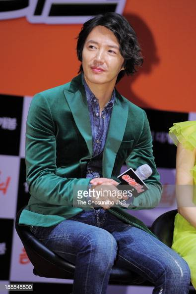 Yoon Sang-Hyun attends the 'Tone-Deaf Clinic' Press Conference at