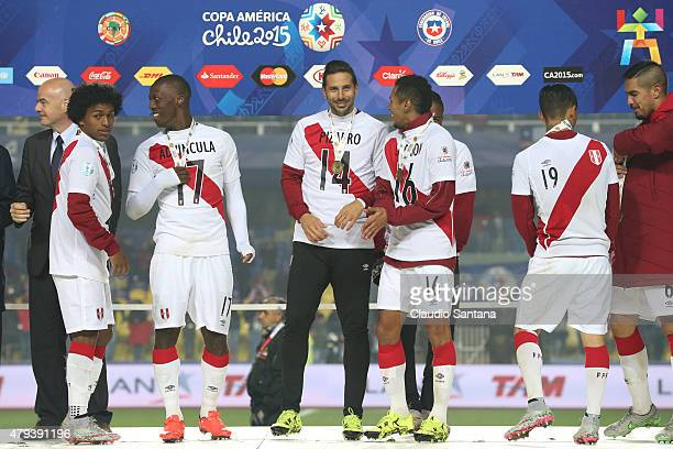 Yordy Reyna, Luis Advincula, Claudio Pizarro, Carlos Lobaton and Yoshimar Yotun of Peru celebrate with their third place medals after the 2015 Copa...