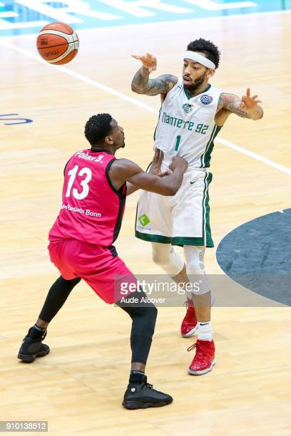 Yorman Polas Bartolo of Bonn and Terran Petteway of Nanterre during the Basket ball Champions League match between Nanterre and Bonn on January 24...