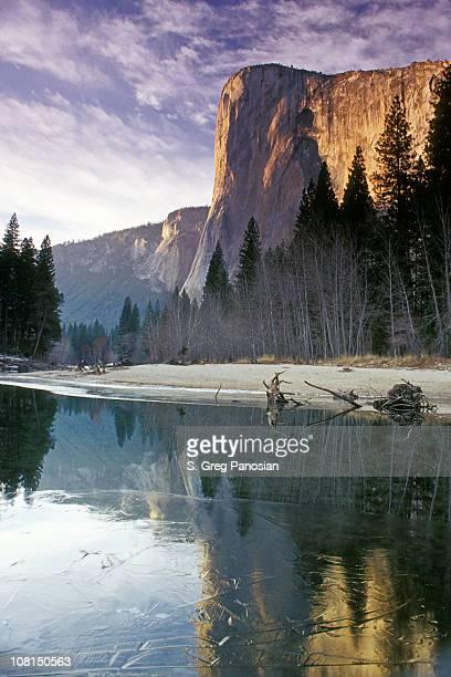 yosemite el capitan mountain during winter - el capitan yosemite national park stock pictures, royalty-free photos & images