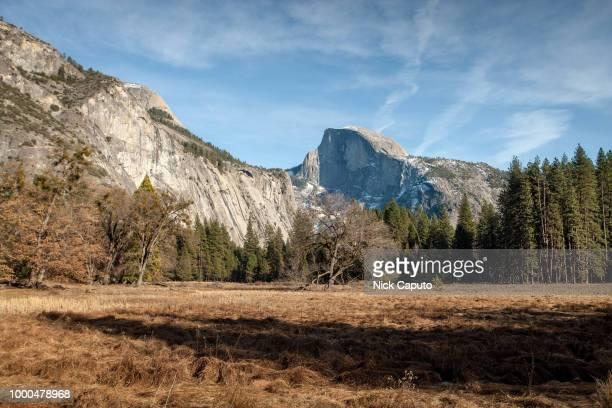yosemite national park cook's meadow - caputo foto e immagini stock