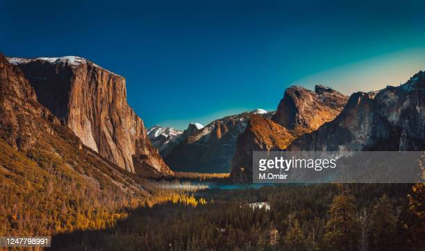 yosemite national park from the tunnel view. panorama - yosemite nationalpark stock pictures, royalty-free photos & images