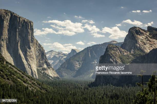 Yosemite Valley, as seen from Tunnel View
