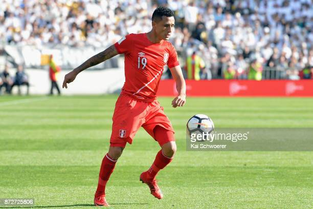 Yoshimar Yotun of Peru makes a break during the 2018 FIFA World Cup Qualifier match between the New Zealand All Whites and Peru at Westpac Stadium on...