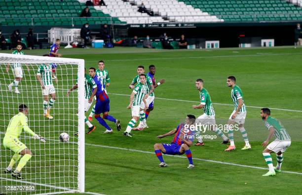Yoshinori Muto of Eibar scores their team's first goal during the La Liga Santander match between Real Betis and SD Eibar at Estadio Benito...