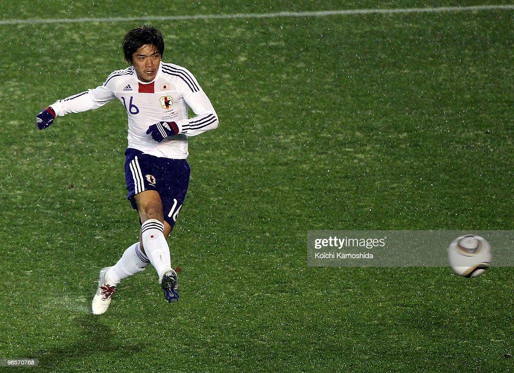 Japan v Hong Kong - East Asian Football Championship 2010 : ニュース写真