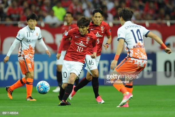 Yosuke Kashiwagi of Urawa Red Diamonds in action during the AFC Champions League Round of 16 match between Urawa Red Diamonds and Jeju United FC at...
