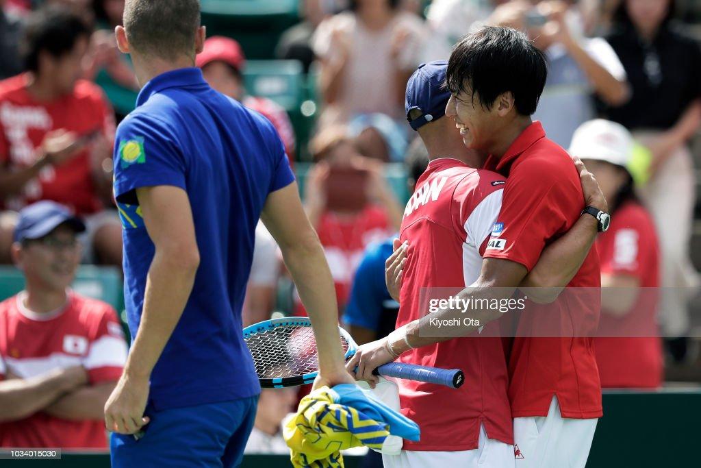Japan v Bosnia & Herzegovina - Davis Cup World Group Play-Off - Day 3 : News Photo