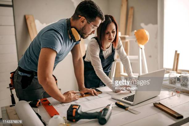 you are the biggest help - building contractor stock pictures, royalty-free photos & images