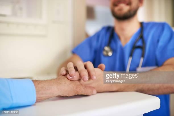 você pode ativar o carinho em uma carreira - enfermeiros - fotografias e filmes do acervo