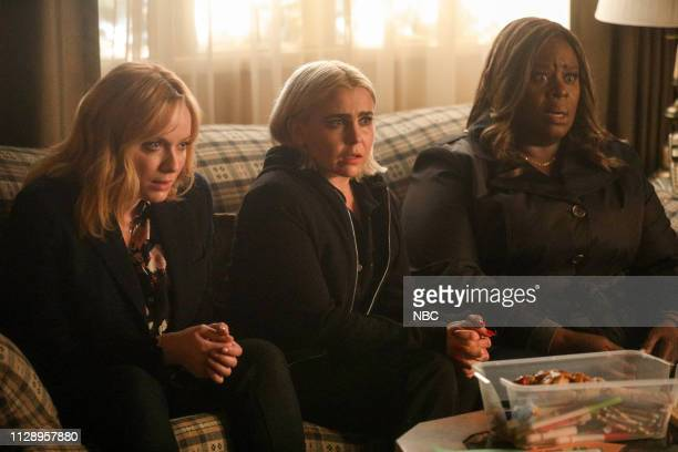 GIRLS 'You Have Reached The Voicemail of Leslie Peterson' Episode 203 Pictured Christina Hendricks as Beth Boland Mae Whitman as Annie Marks Retta as...