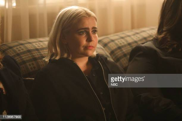 GIRLS 'You Have Reached The Voicemail of Leslie Peterson' Episode 203 Pictured Mae Whitman as Annie Marks