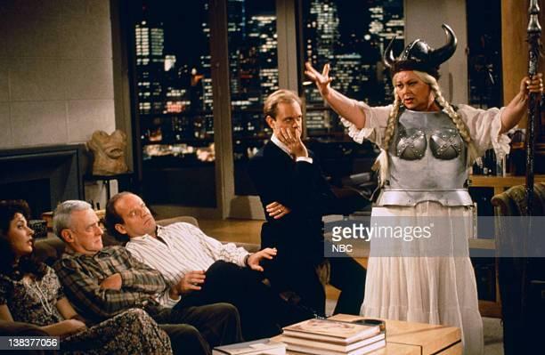 FRASIER You Scratch My Book Episode 15 Pictured Jane Leeves as Daphne Moon John Mahoney as Martin Crane Kelsey Grammer as Doctor Frasier Crane David...