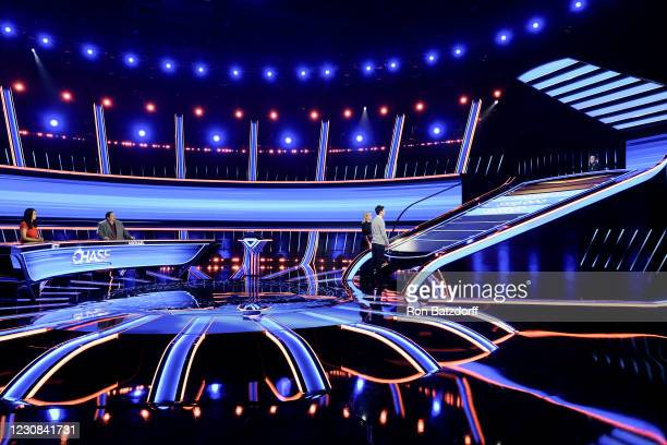 You Should Have Stayed in Vegas The race to The Chase continues with James Holzhauer stepping into the hot seat as three new contestants compete to...