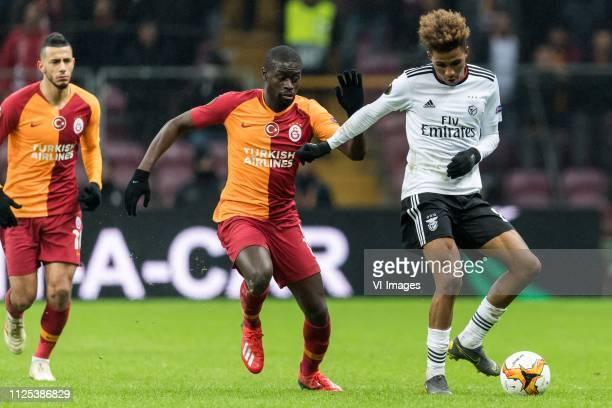 Younes Belhanda of Galatasaray SK Papa Alioune Badou Ndiaye of Galatasaray SK Gedson Fernandes of SL Benfica during the UEFA Europa League round of...