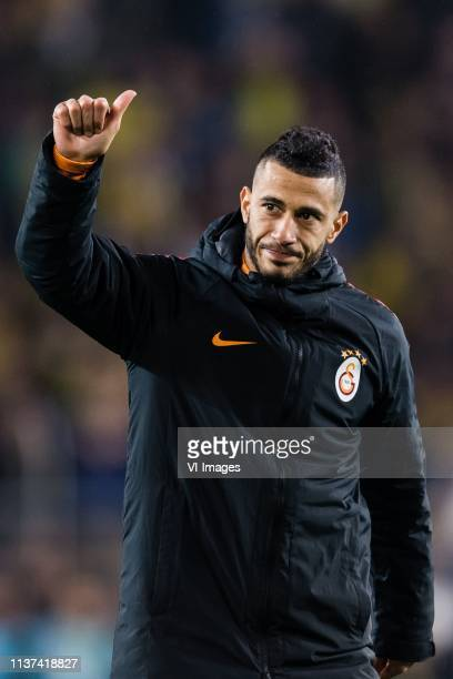 Younes Belhanda of Galatasaray SK thank the supporters during the Turkish Spor Toto Super Lig football match between Fenerbahce AS and Galatasaray AS...