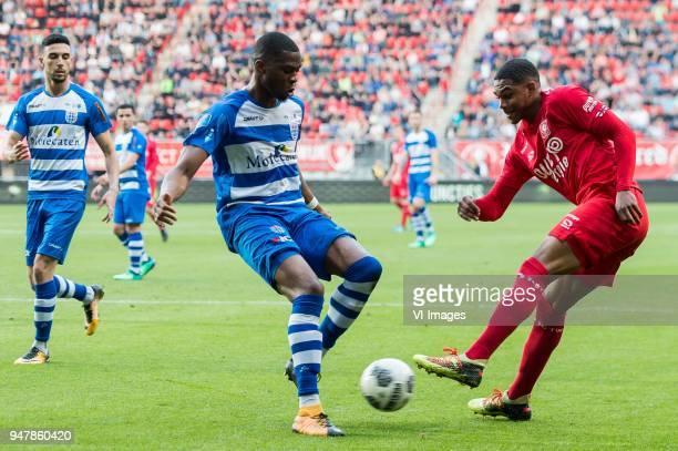 Younes Namli of PEC Zwolle Kingsley Ehizibue of PEC Zwolle Michael Maria of FC Twente during the Dutch Eredivisie match between FC Twente Enschede...